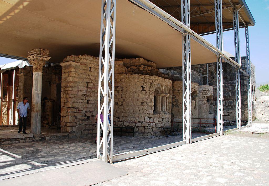 Basilika Ag. Nikolaos v Myře, 6. století, za jeho života tedy ještě nestál. Kredit: Elelicht, Wikimedia Commons.