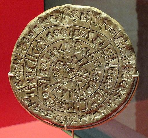 Disk z Faistu. Kréta, 1600-1450 před n. l. Archeologické muzeum v Irakliu. Kredit: Siren-Com, Wikimedia Commons.