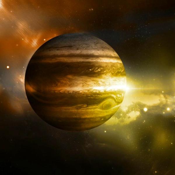 Jupiter je největší, nejtěžší a také nejstarší. Kredit: LLNL.