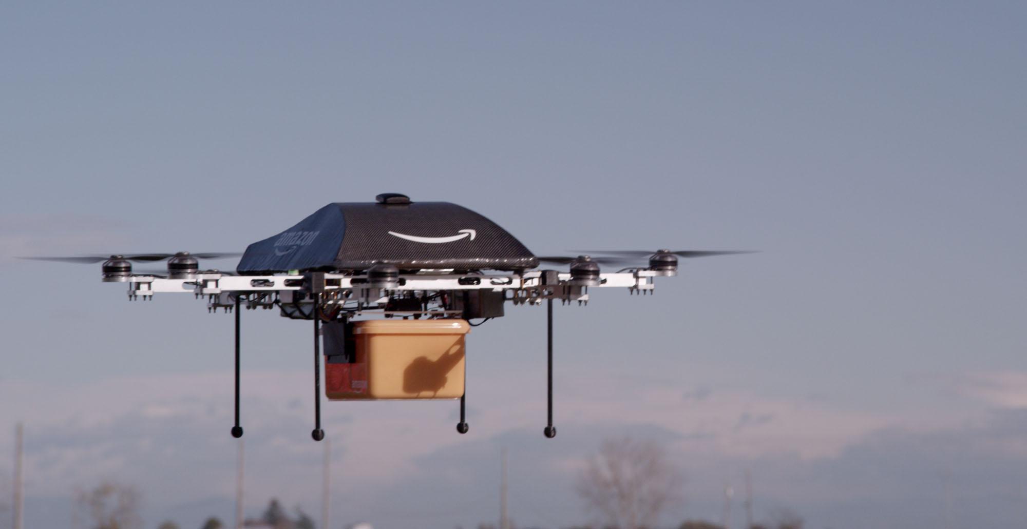 Pošťák v podání Amazonu.