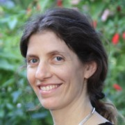 """Lilach Hadany, vedoucí kolektivu, profesorka Tel-Aviv University: """"Altruistické činy z našich pokusů vycházejí do značné míry jako dílo mikrobů"""