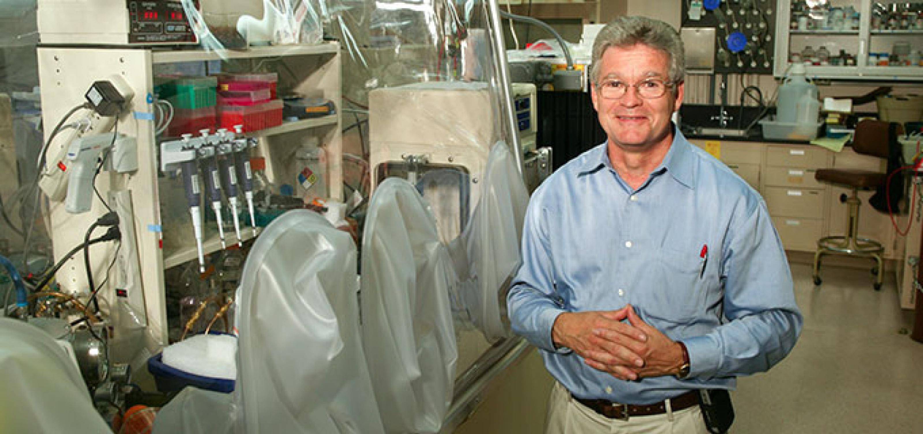 Laboratoř profesora Jamese Swartze  ze Stanford University je jedním z pracovišť, kde jsou v přípravě univerzální chřipkové vakcíny nejdál.  Kredit: Joel Simon
