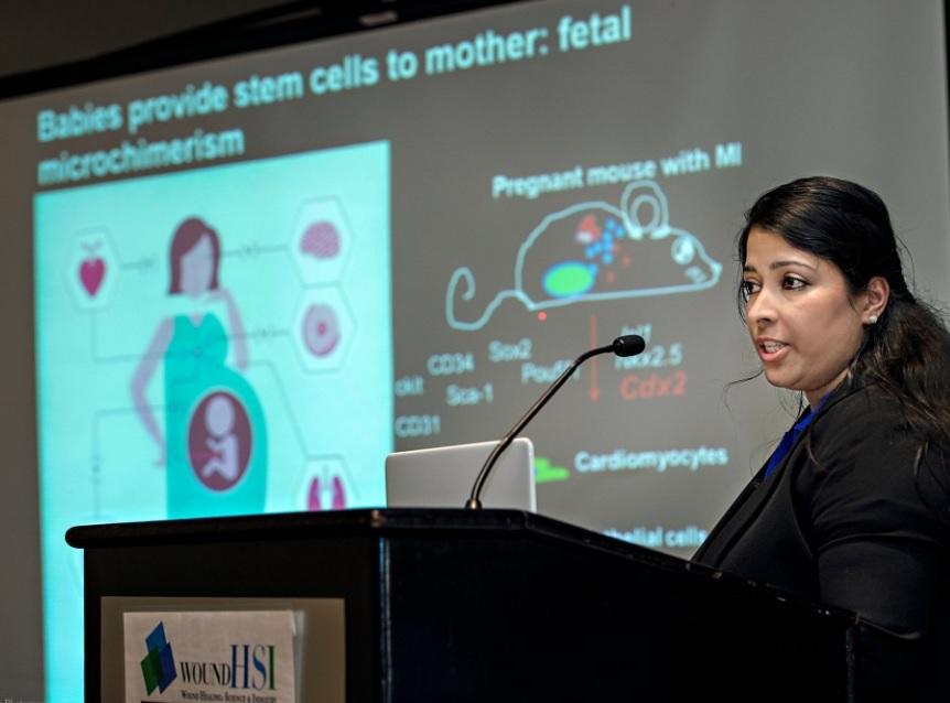 """Sangeetha Vadakke-Madathil: """"Plody dodávají matkám kmenové buňky (fetální mikrochimerismus)"""". Kredit: PSDCFoundation, 2018."""