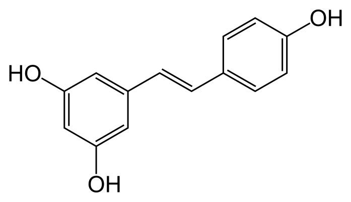 Resveratrol je přírodní antioxidant, polyfenol a derivát stilbenu C14H12O3
