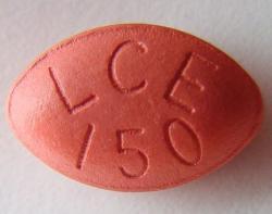 emohoucnost k níž nás odsoudil parkinson, se většinou oddaluje podáváním preparátu L-DOPA. Neřeší to příčinu, ale jen následek, neboť jde o prekurzor dopaminu, kterého se v mozku nedostává. L-dopa ale není jen látkou, která zbavuje nemocné třesu. Dok