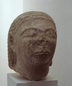 Hlava muže ve východořeckém stylu Thalétovy doby, i když ze Rhodu. Kredit: Wikimedia Commons.