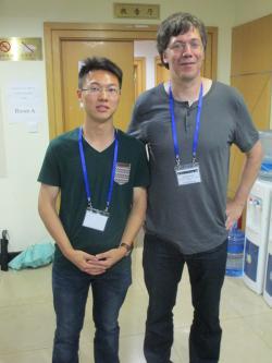 Po��tkem kv�tna se do Prahy pod�val v�dec z N�meck�ho st�ediska pro letectv� a kosmonautiku, prof. Hauke Hussmann, a na Kated�e geofyziky MFF UK m�l vynikaj�c� p�edn�ku pr�v� o JUICE, jej�m p��stroji GALA, na n�m� se osobn� pod�l�, a Ganymedu. Na obr�zku je se sv�m kolegou Wei Zhangem (vlevo) z Nanjing University.