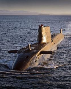 Britská útočná ponorka třídy Astute. Kredit: Will Haigh / Wikimedia Commons.