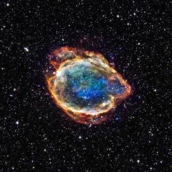G299 je elegantní pozůstatek supernovy typu Ia, která explodovala asi 2500 př. n. l. Kredit: NASA/CXC/U.Texas.