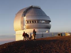 Observatoř Gemini North, Mauna Kea. Kredit: Mailseth / Wikimedia Commons.