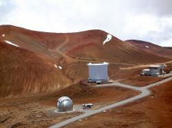 Observatoře na Mauna Kea, na ostrově Havaj. Kredit: A. Woodcraft / Wikimedia Commons.