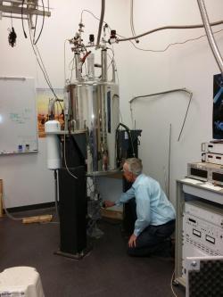 Pozemní část experimentu používá magent o magnetické indukci 17 Tesla. Zdroj: http://www.nasa.gov/
