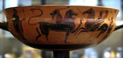 Bellerofón na Pegasovi bojuje s Chimérou. Řecká picí miska, 575-550 před n. l. Kredit: Wikimedia Commons.