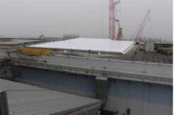 Nový kryt střechy strojovny třetího bloku (zdroj TEPCO).