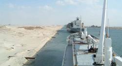 """když je Severní trasa pro předpravce hodně velkým pokušením, tamní """"neoteplování"""" se postará že Suez se své nekonečné """"zácpy"""", hned tak nezbaví. (Kredit: Wikipedia)"""