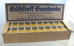 Historické balení sacharinu (Muzeum cukru, Berlín)