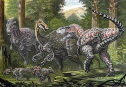 Ekosystém souvrství Nemegt s obřími teropody jakožto dominantním prvkem megafauny. Dvojice tyranosauridů druhu Tarbosaurus bataar útočí na dospělého obřího ornitomimosaura druhu Deinocheirus mirificus. Objevy rýh po tarbosauřích zubech na fosilních kostech jednoho exempláře deinocheira dokazují, že se nejspíš stával přinejmenším občasnou kořistí těchto nebezpečných predátorů. V popředí dvojice malých rohatých dinosaurů druhu Breviceratops kozlowskii. Scéna zobrazuje oblast současného jižního Mongolska v době před 70 miliony let. Kredit: ABelov2014; Wikipedie (CC BY-SA 3.0)