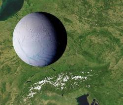 Enceladus je velmi malé kosmické těleso, v průměru má jen zhruba 500 km. (c) Tomáš Petrásek
