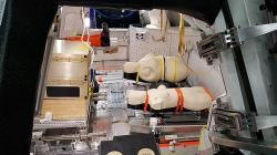 Testování antropomorfních dozimetrických fantomů (zdroj NASA/DLR).