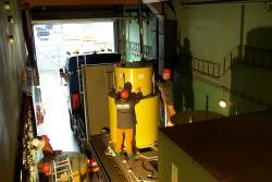 Odvoz kontejnerů s radioaktivním odpadem z likvidované jaderné elektrárny Rheinsberg (zdroj EWN).