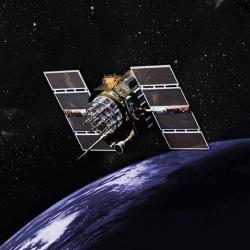 Provoz GPS systému zajišťuje sestava družic na oběžné dráze. Systém by nefungoval bez využití speciální i obecné teorie relativity (GPS.gov).