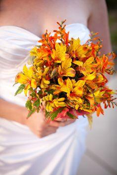 Něžná stvoření se nemusí obávat, že by o svou oblíbenou, jemnou a voňavou rostlinu mohla přijít. Pokud ovšem nejsou vyznavačkami vdechování kouře. Kredit: Wedding Flowers.