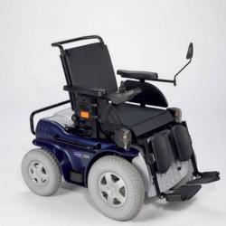 Jeden z hojně prodávaných elektrických vozíků na našem trhu je Invacare G50. Jeho hmotnost je 135 kg.