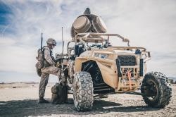 Vozidlo systému LMADIS pro elektronický boj. Kredit: U. S. Marine Corps.