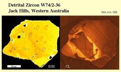 Zirkon, jehož část je nejstarším známým materiálem na Zemi, o stáří 4,4 miliardy let. Kredit: Peck et al. (2000).