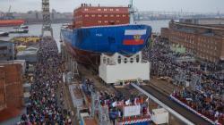 Ledoborec Ural při spouštění na vodu (zdroj Rosatom).
