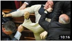Někdy se to semele parlament ne parlament...