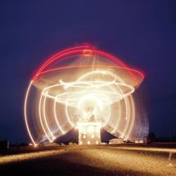 Radioteleskop Parkes, kde nedávno pozorovali FRB v reálném čase. Kredit: CSIRO
