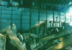 Fotografie z vnitřní části starého sarkofágu (zdroj Černobylská jaderná elektrárna).