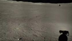 Jeden z posledních snímků pořízených misí Čchang-e 4 (zdroj CNSA/CLEP).