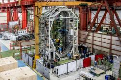 Komponenty jsou na místě, budova stojí a zařízení ITER se začne skládat dohromady (zdroj ITER).