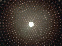 Vnitřek experimentu MiniBooNE. Kredit: US DoE / Fermilab.