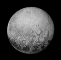 Pluto z 11.7.2015, sonda New Horizons, kamera LORRI. Kredit: NASA/Johns Hopkins University Applied Physics Laboratory/Southwest Research Institute