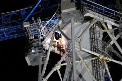 Práce na rozřezávání společného ventilačního zařízení prvního a druhého bloku (zdroj TEPCO).