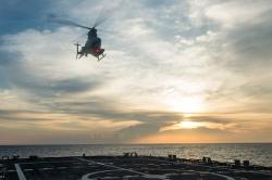Univerzální dálkový ovladač by měl zvládnout i vrtulníkové drony  MQ-8B Fire Scout. Kredit: US Navy.