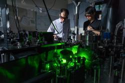Levitující nanočástice dočasně porušuje 2. termodynamický zákon
