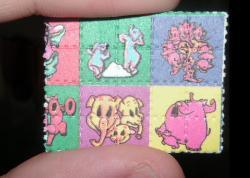 LSD, balíček pro skupinu přátel na víkend. Kredit: Psychonaught / Wikimedia Commons.