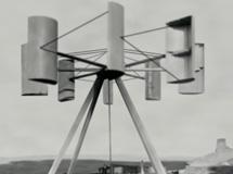 Turbína Jamese Blytha z roku 1895 (zdroj wikipedie).