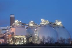 Uhelná elektrárna Drax ve Velké Británii přešla na spalování biomasy, zásobníky na biomasu (zdroj Drax).