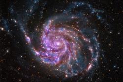 Je tam temná hmota? Anebo ne? Kredit: X-ray: NASA/CXC/SAO; Optical: Detlef Hartmann; Infrared: NASA/JPL-Caltech.