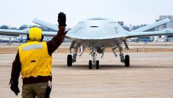 Stingray na zemi. Kredit: U.S. Navy / Boeing.