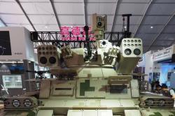 Výzbroj čínského terminátora. Kredit: QQ.com.
