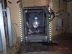 Dokončená sestava pro vstup robota do kontejnmentu musí obsahovat i dostatečně efektivní stínění (zdroj TEPCO).