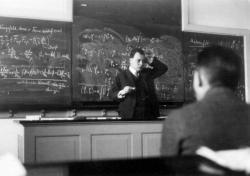 Existenci neutrina předpověděl Wolgang Pauli (zdroj CERN).