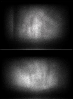 Vysledné zobrazení ziskané prvním detektorovým systémem nahoře a druhým detektorovým systémem dole (zdroj TEPCO).