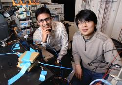 Kaushik Sengupta (vlevo). Kredit: Princeton University.